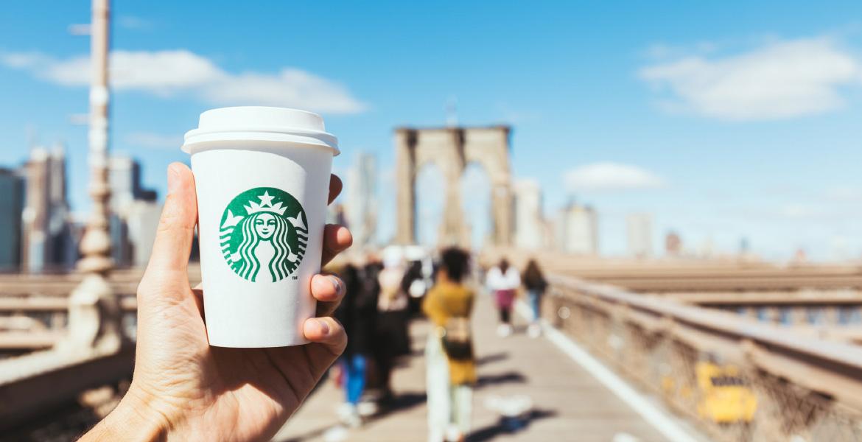 Co to jest identyfikacja wizualna firmy? starbucks kawa